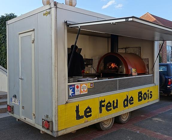 Pizzria mobile Le feu de bois secteur Arras Bapaume pizzas cuites au feu de bois emporter # Pizza Feu De Bois Nancy